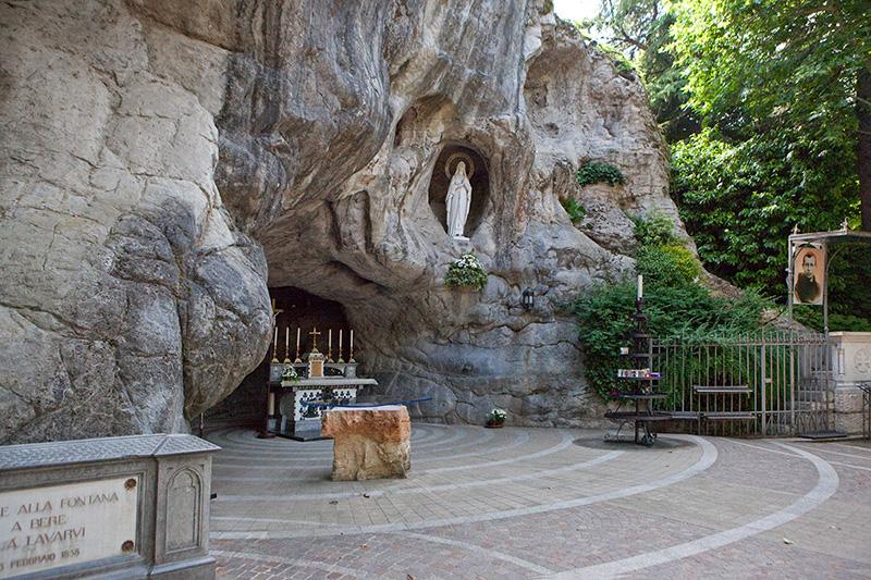 Grotta di Lourdes Chiampo VI